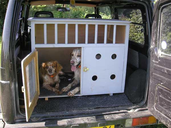 le chenil et la caisse de transport de titou 64. Black Bedroom Furniture Sets. Home Design Ideas